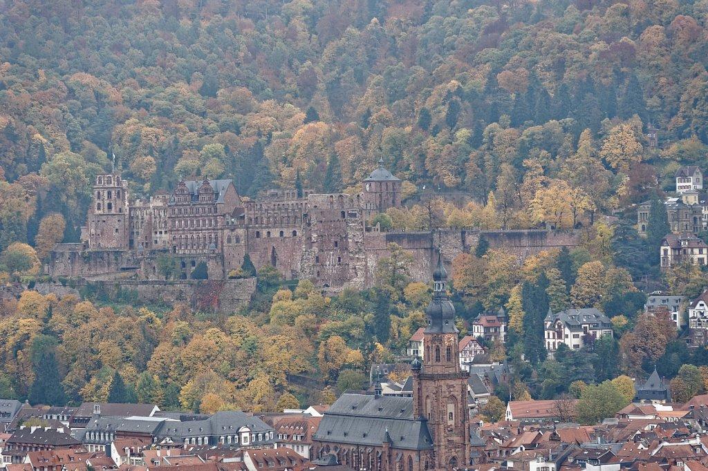 Herbst mit Schloss
